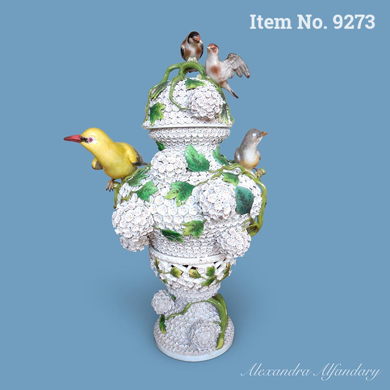 A Superb Large Meissen Porcelain Snowball Decorated Vase and Lid, ca. 1900